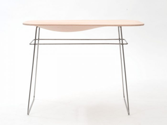 table with concave formed tabletop